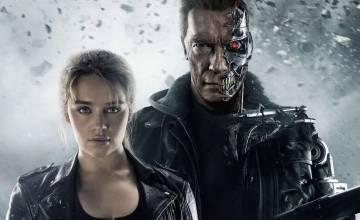 Emilia Clarke, na bela companhia de Arnold Schwarzenegger, em 'O Exterminador do Futuro: Gênesis'