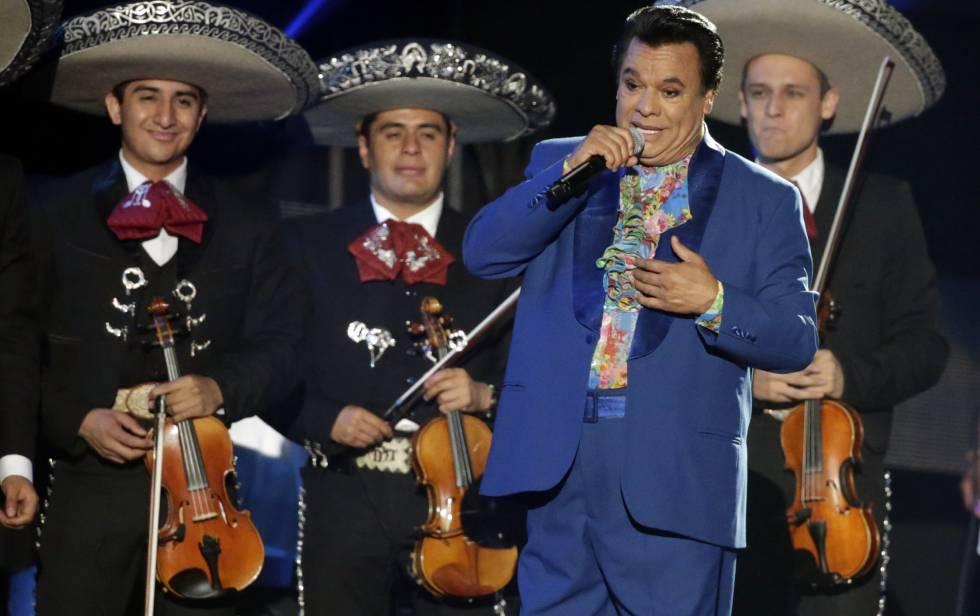 Juan Gabriel, en la entrega de los premios Billboard latinos.