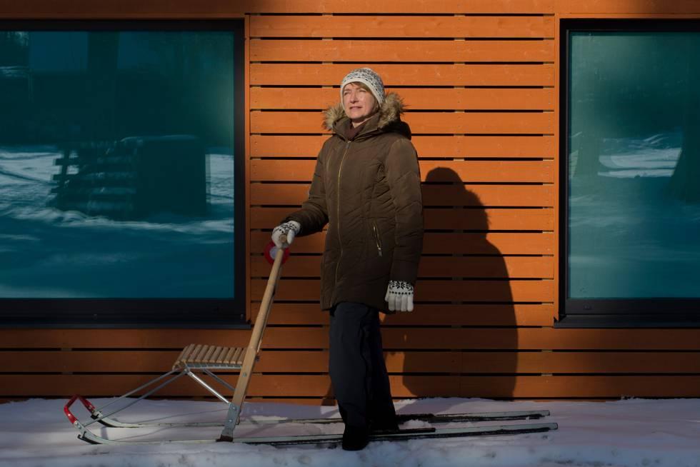 Erica Ader, de 46 años, retratada en Aegviidu, su pueblo natal.
