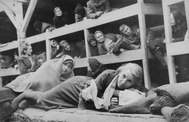 Mujeres en un barracón de Auschwitz, el 27 de enero de 1945, día de la liberación.