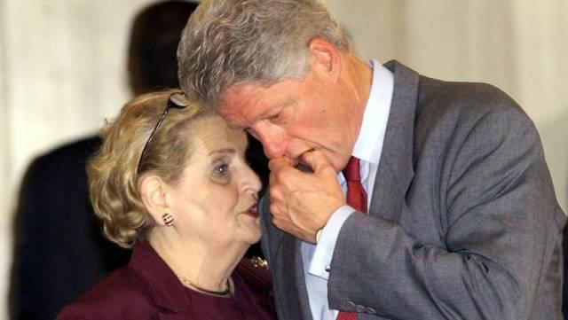 Madeleine Albright y Bill Clinton, durante la cumbre de Sharm el Sheij (Egipto) de 2000 sobre la situación en Israel y Palestina.