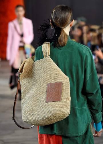 Un bolso de Loewe durante su desfile primaveraverano 2019.