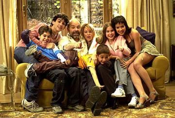 Los protagonsitas de la serie 'Los Serrano'.