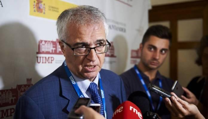 El presidente de la FAPE, Nemesio Rodríguez, en la UIMP.