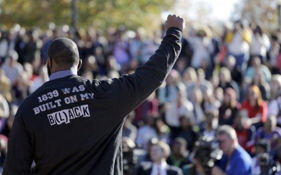 Manifestantes de Missouri comparecen tras la dimisión del presidente de la Universidad