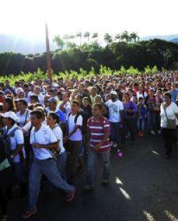 Más de 35.000 venezolanos se lanzan a Colombia a por productos básicos