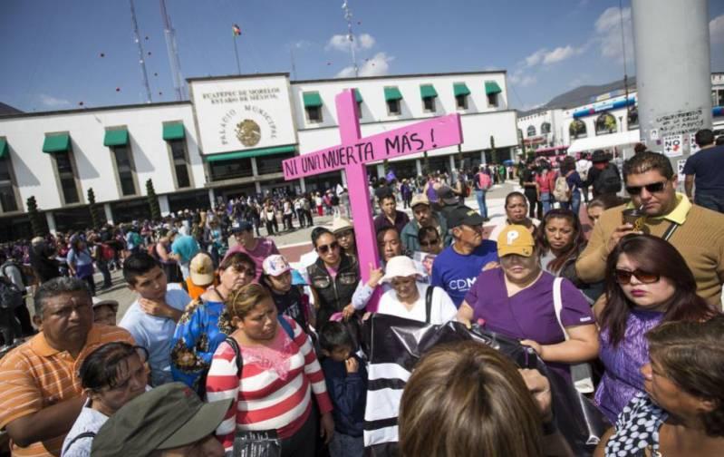Manifestación contra los feminicidios en el Estado de México.