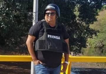 Cecilio Pineda durante una cobertura en Gurrero