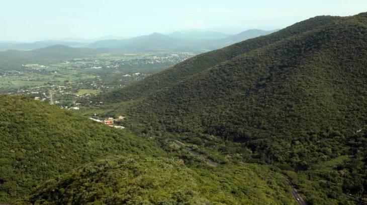 La sierra de Monte Negro, uno de los espacios mejor conservados de Morelos (centro de México).