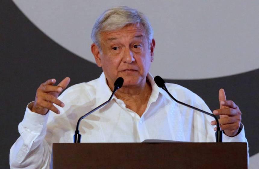 Andrés Manuel López Obrador durante un acto público en Acapulco