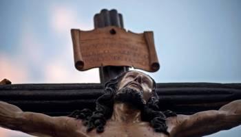 Imagen de un Cristo en una procesión en España.