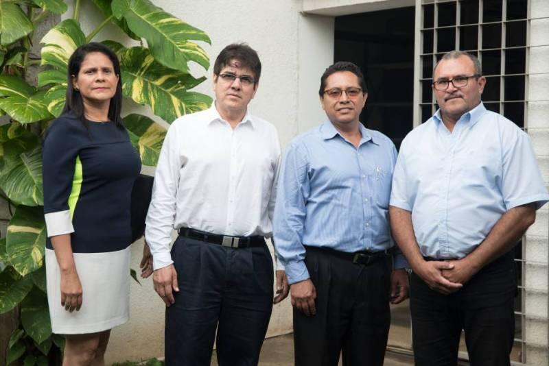 Gladys Jarquín y Javier Pastora, del Heodra; y Julio Sánchez, de Jinotepe y Javier Rojas, extrabajador del Hospital de Masaya.