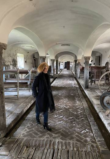Old cowshed where the owner of the farm (Alfredo Berlinghieri) hanged himself in the movie Novecento.