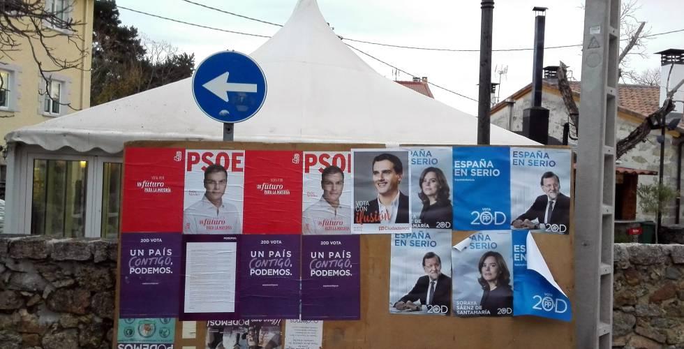 Carteles electorales de la campaña del pasado diciembre.