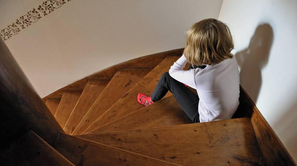 Los menores que denuncian abusos se ven inmersos en una espiral burocrática y judicial.