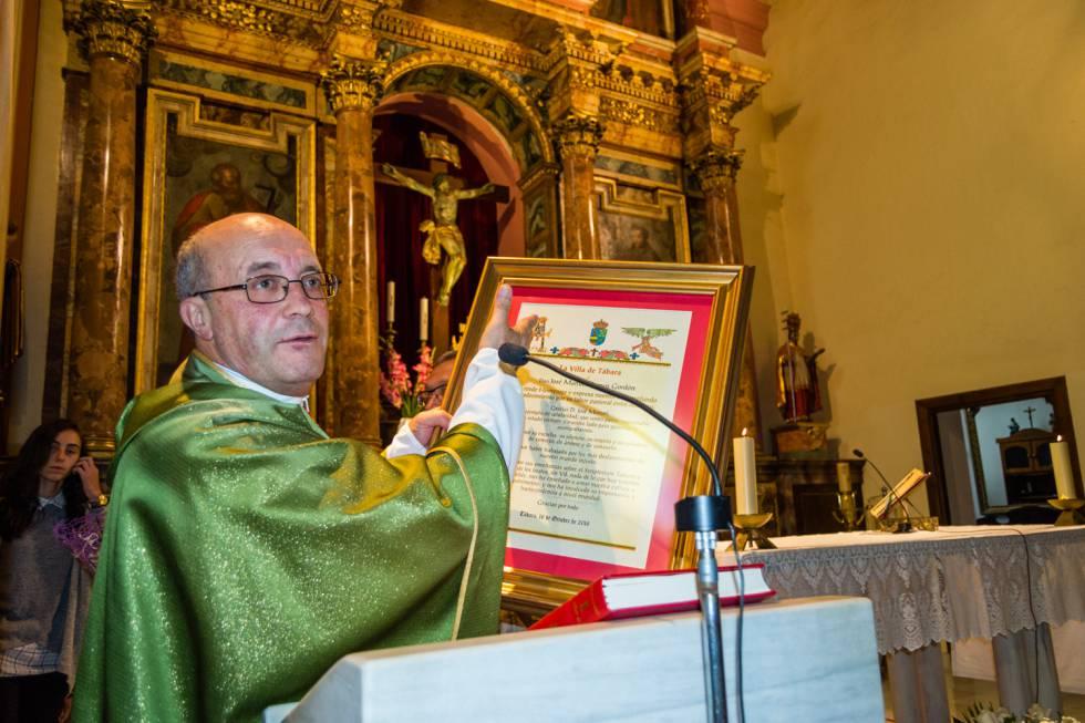 José Manuel Ramos, durante su homenaje en la parroquia de Tábara (León), el pasado mes de octubre.