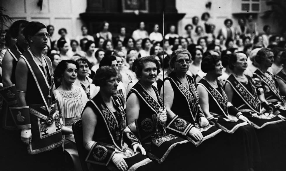 Reunión de mujeres en Londres, en 1937.