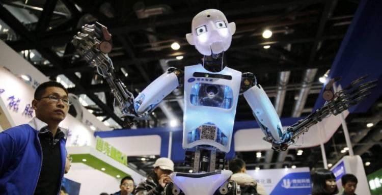 Robô exposto em uma conferência sobre autômatos em Pequim.