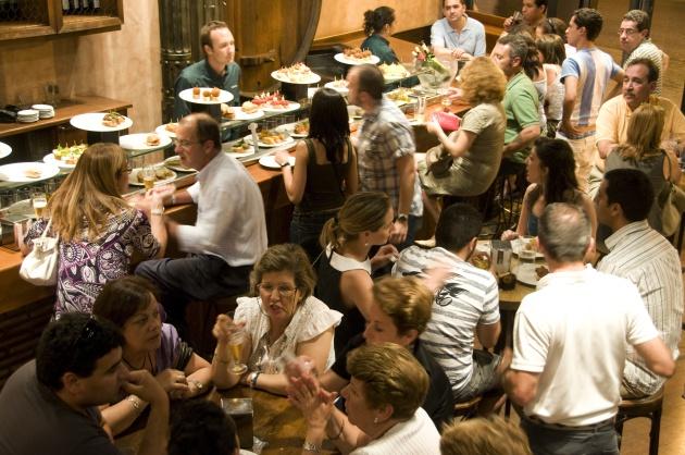 Y si hablamos ms bajo en los restaurantes La campaa