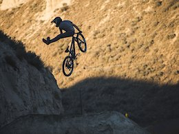 Video: High Speed Riding On Kamloops' Steep Chutes & Big Jumps