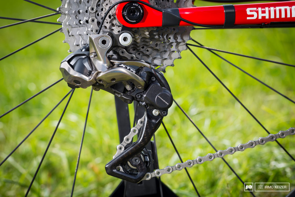 Trek Factory Racing s new Di2 setup routes the cables externally.