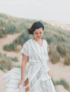 Платье-кафтан с разрезами по бокам