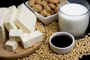 Соевые продукты небезопасны для женского здоровья и обмена веществ, что делать?