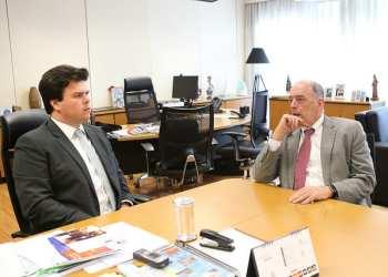 O ministro de Minas e Energia, Fernando Coelho Filho, e o presidente da Petrobras, Pedro Parente, em reunião na sede do MME- Foto: Saulo Cruz/MME