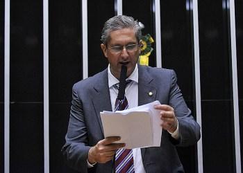 O deputado Rogério Rosso (PSD/DF) é autor do PDC 955/18