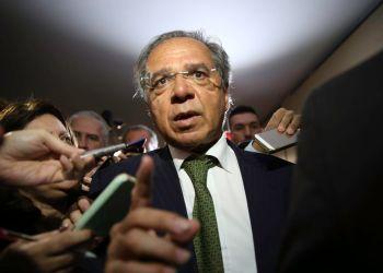 O futuro ministro da Economia, Paulo Guedes, fala à imprensa após reunião com a Comissão Mista de Orçamento, na Câmara dos Deputados. / Foto: Agência Brasil