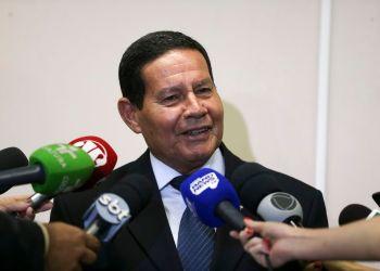 O presidente da República em exercício, general Hamilton Mourão, durante entrevista coletiva, no Palácio do Planalto.