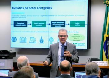 Ministro Bento Albuquerque em audiência na CME da Câmara dos Deputados / Foto: Agência Câmara