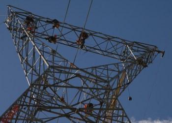 Obras da linha de transmissão da subestação Ibicoara, na Bahia. Foto: Divulgação/Chesf abril 2011)