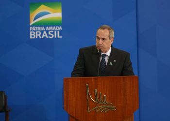 O diretor-geral da Agência Nacional do Petróleo, Gás Natural e Biocombustíveis (ANP), Décio Oddone, durante cerimônia de lançamento do novo mercado de gás, no Palácio do Planalto. Foto: Antonio Cruz/Agência Brasil