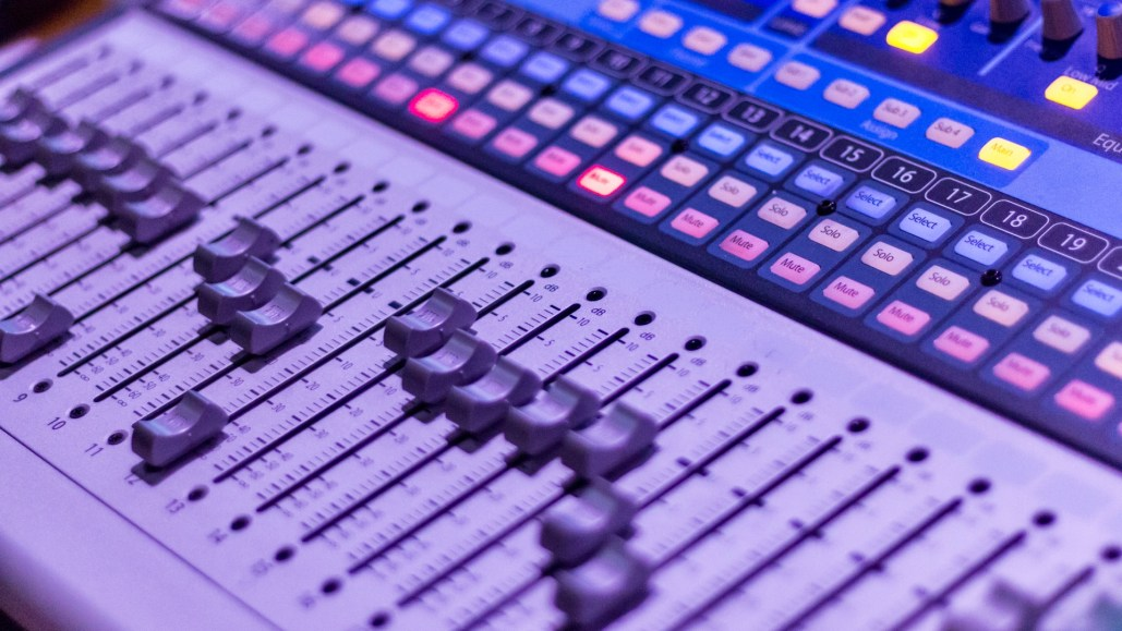 Video sound design using mixer
