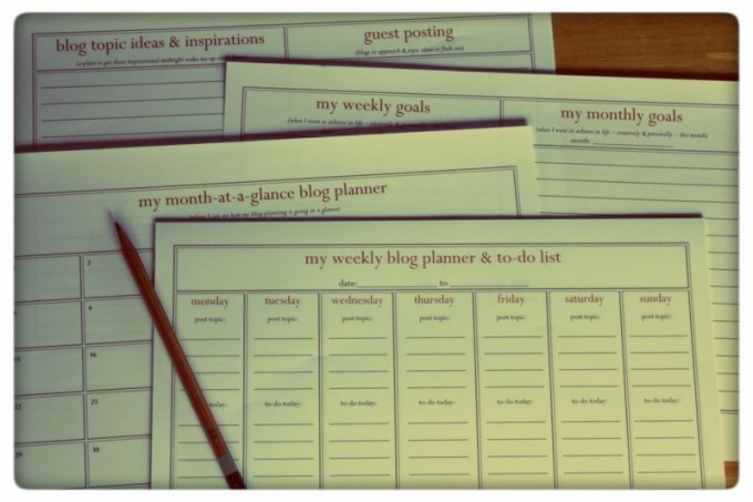 Why You Need an Editorial Calendar for Your Blog + Free Printable Planner {Guest post by Tasha Chawner}