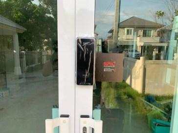 Digital door lock สำหรับประตูบานเลื่อนแบบอลูมิเนียม เลื่อนชิดตรงกลาง
