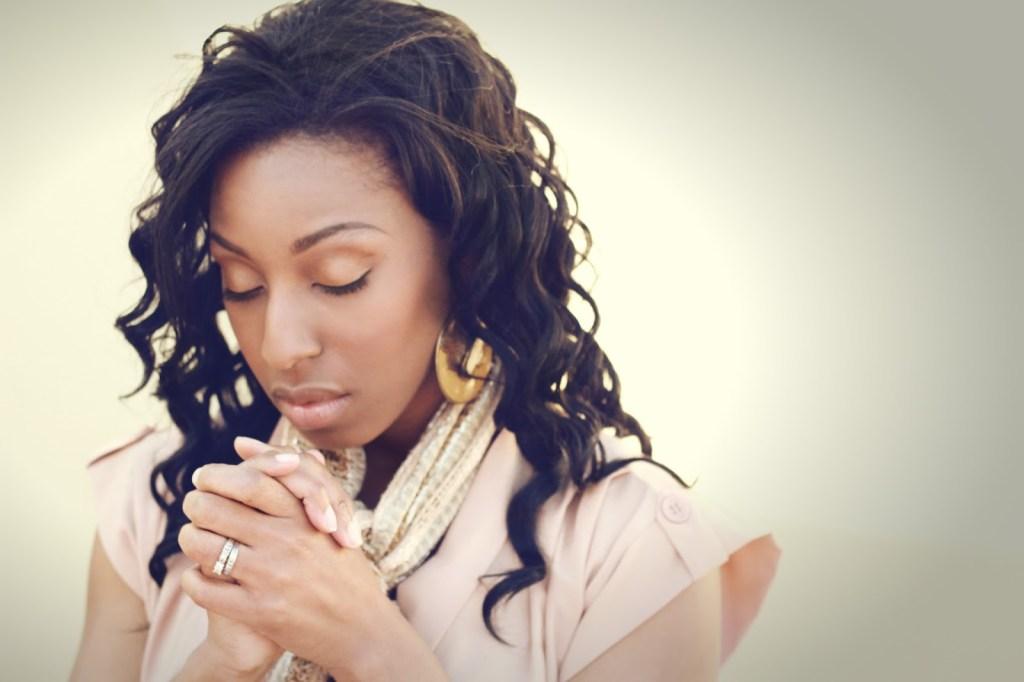 woman-praying-jill