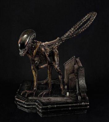 Alien 3 Statue