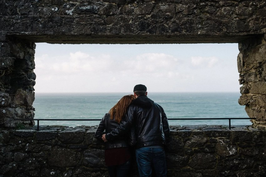Dunluce Castle Engagement Photographer_0015.jpg