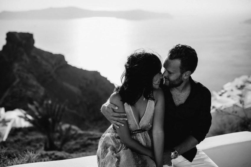 Santorini Engagement Photographer_0005.jpg