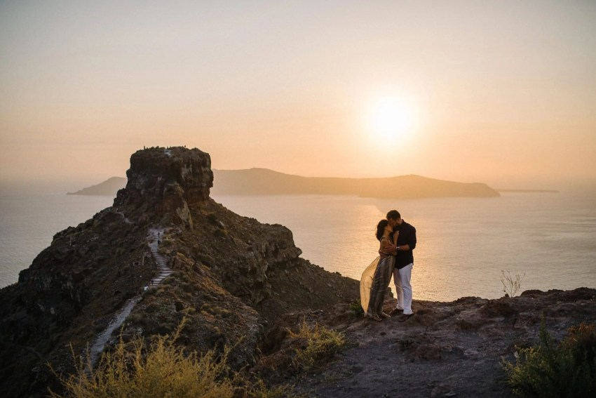 Santorini Engagement Photographer_0029.jpg