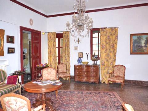 Hôtel de l'Orange's salon