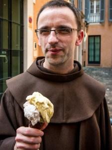 giolitti-priest