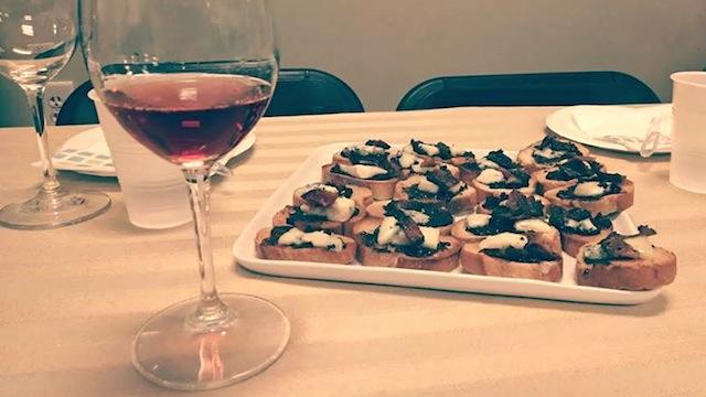 crostini and wine