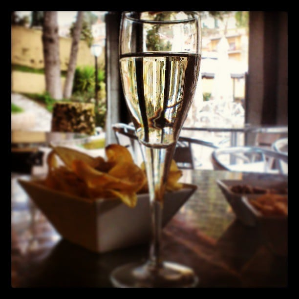 Aperitivo time - Prosecco and a few snacks to open the palate.  Photo courtesy of Fabiana.
