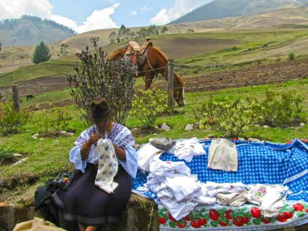 Learn to chose fabrics and cook on the side of a volcano with the Karanki community of Ecuador