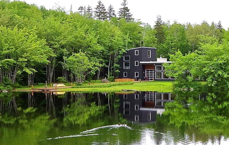 rsz_lakeside_retreat_halifax_canada