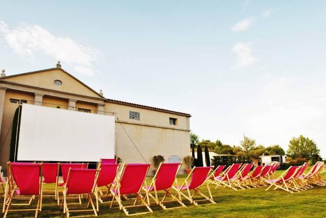 Cinéma en plein air au Château Gassier - www.epicuriendusud.com