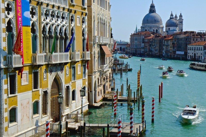 italy-venice-channel-1